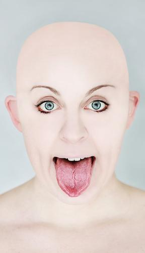 look like a lick Human being Masculine Feminine Androgynous Young woman Youth (Young adults) Woman Adults Head 1 30 - 45 years Fashion Bald or shaved head Sign
