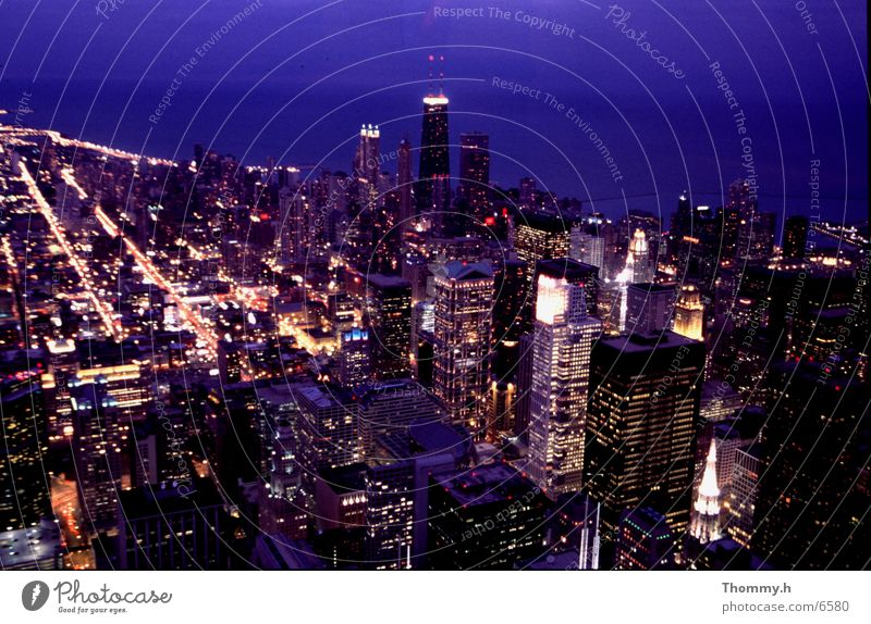 View of the Hancook Tower Sears Tower North America Night. light Town