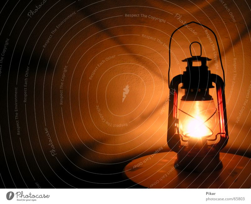 Old Lamp Wall (building) Warmth Back Candle Physics Lantern Oil Old fashioned Candlewick Carry handle Lampion Oil lamp