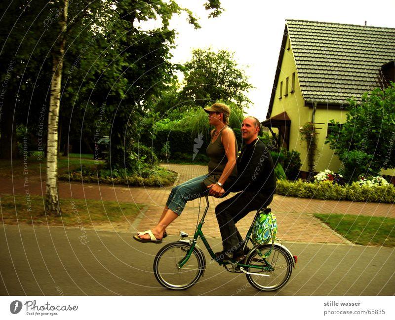 TWO-WHEELER Human being Bicycle Folding bicycle Man Woman Joy piggyback front loader Street