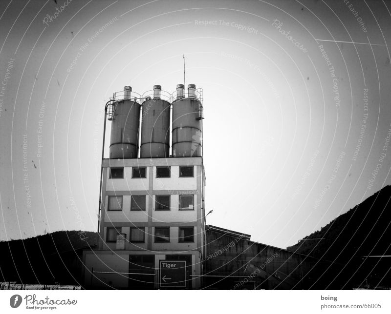 Yay, my first b/w photo ... Silo Storage Black & white photo Industry Vignetting Industrial Photography Industrial plant Bright background Cement works