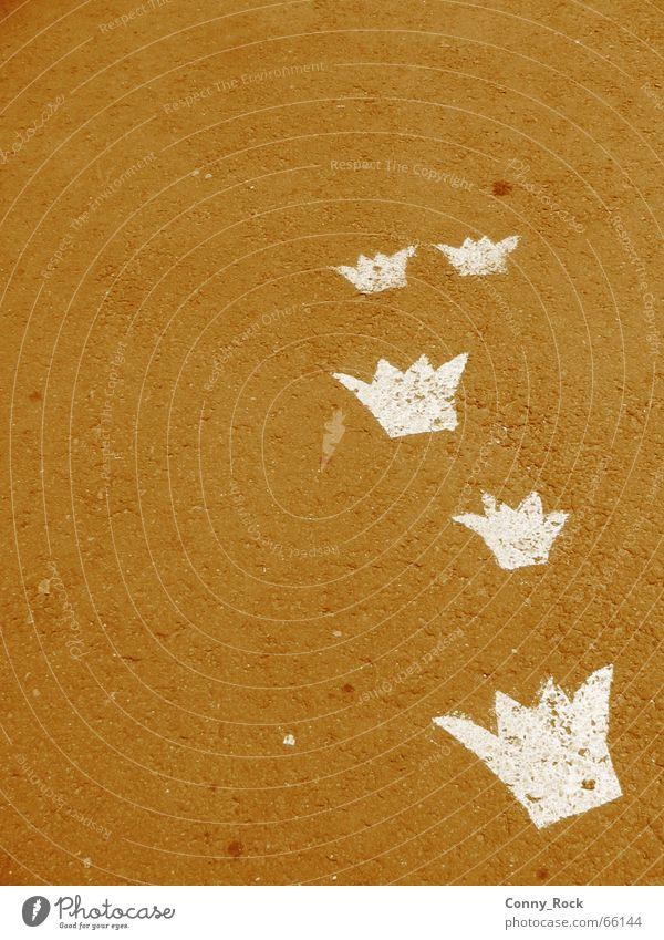 Street Gray Asphalt Tracks Sign Treetop King Encounter Legacy Detail Coincidence