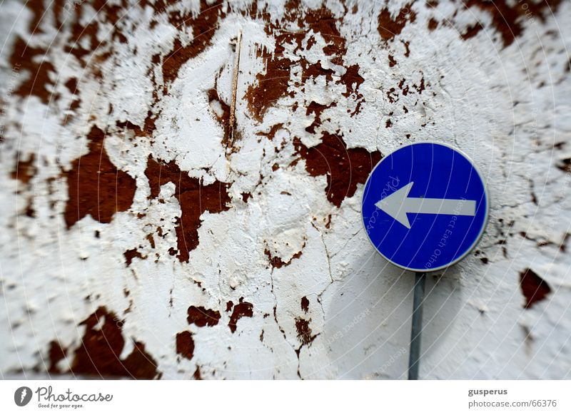 { right direction???? v.2 } Sign forest Direction Find Wall (barrier) Lanes & trails Method Signs and labeling Where to? here and there against the wall