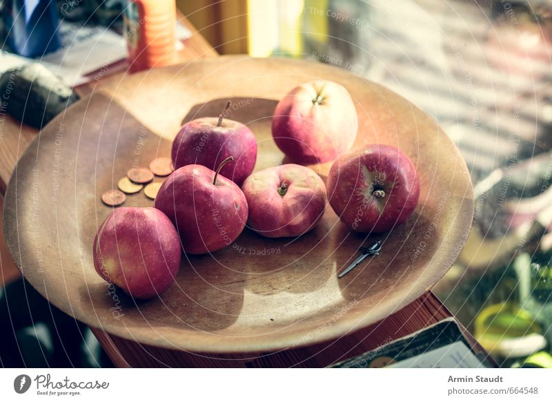 Old Red Window Healthy Moody Food Fruit Authentic To enjoy Money Apple Organic produce Still Life Bowl Juicy Photos of everyday life