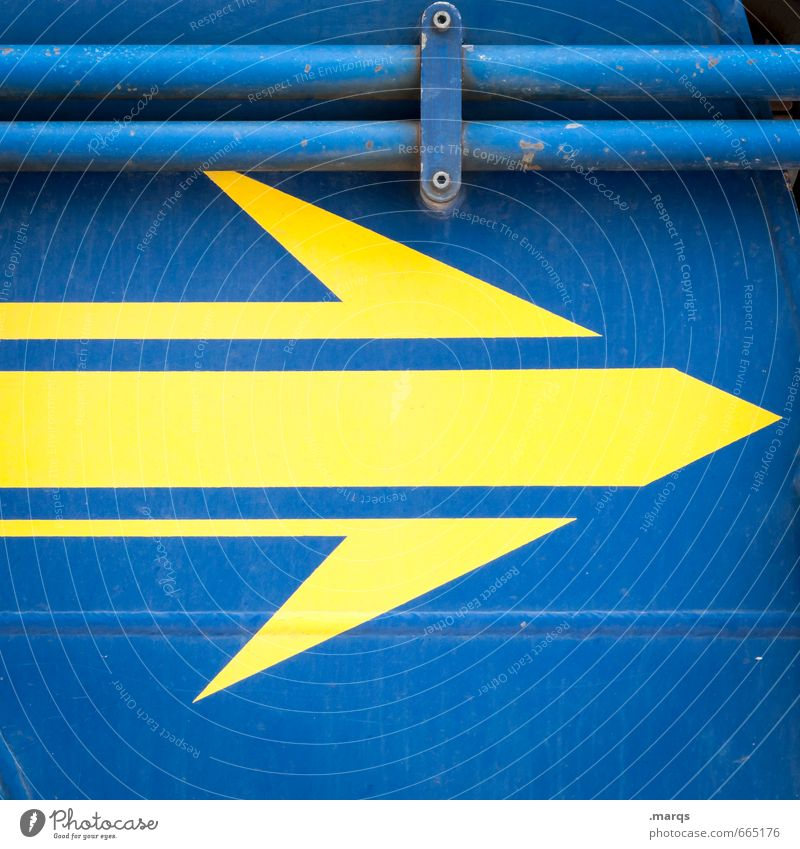 arrow Style Design Metal Arrow Simple Blue Yellow Dynamics Colour photo Exterior shot Close-up Abstract Pattern Structures and shapes Deserted Copy Space top