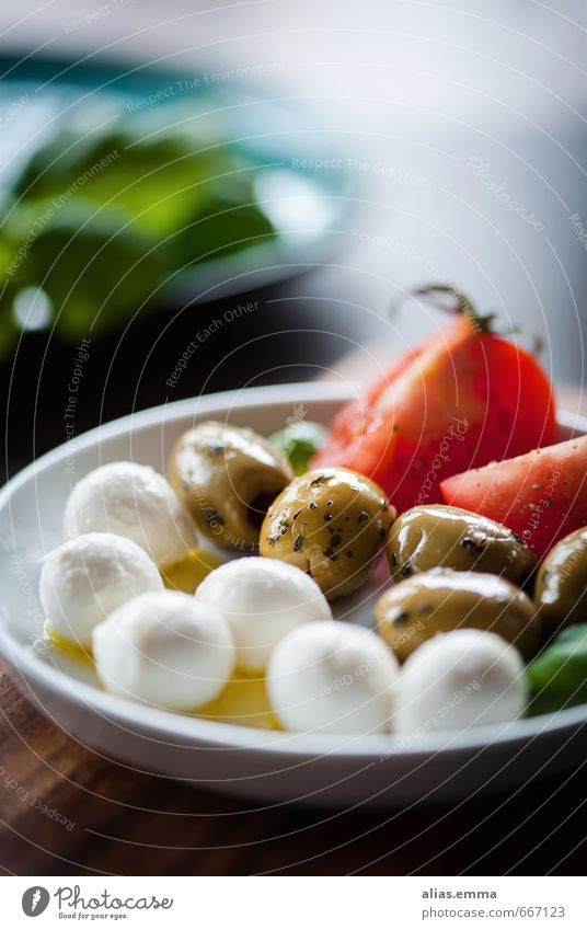 antipasti Antipasti Mozzarella Olive Snack Tomato Italy Italian Food Healthy Eating Dish Food photograph Olive oil Nutrition Mediterranean To enjoy Plate