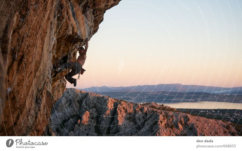 Rock climbing Fitness Sports Training Climbing Mountaineering Masculine Man Adults 1 Human being 18 - 30 years Youth (Young adults) Nature Landscape Horizon