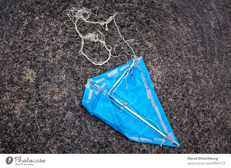 Test failed Aviation Blue Black White Kite Broken Statue Wood Rope String Autumnal Hang gliding Recycling Self-made Rectangle Pattern Tar Street Flying Aircraft
