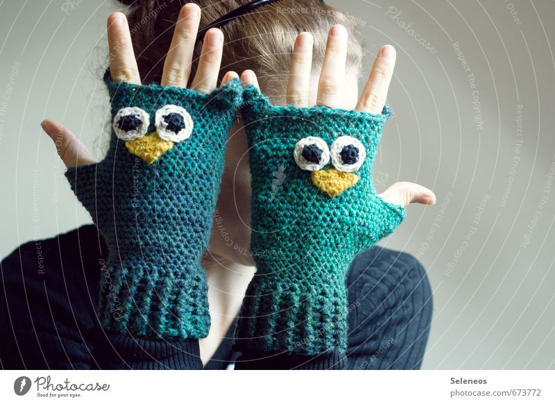 warm hands for construction fence :) Human being Feminine Arm Hand Fingers 1 Fashion Clothing Accessory Gloves Animal Owl birds Freeze Warmth Crocheted