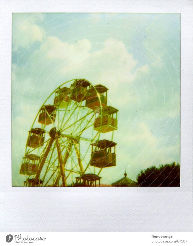 fun fair 3 Ferris wheel Clouds Leisure and hobbies Amusement Park Summer Vacation & Travel Weekend Recklessness Joy