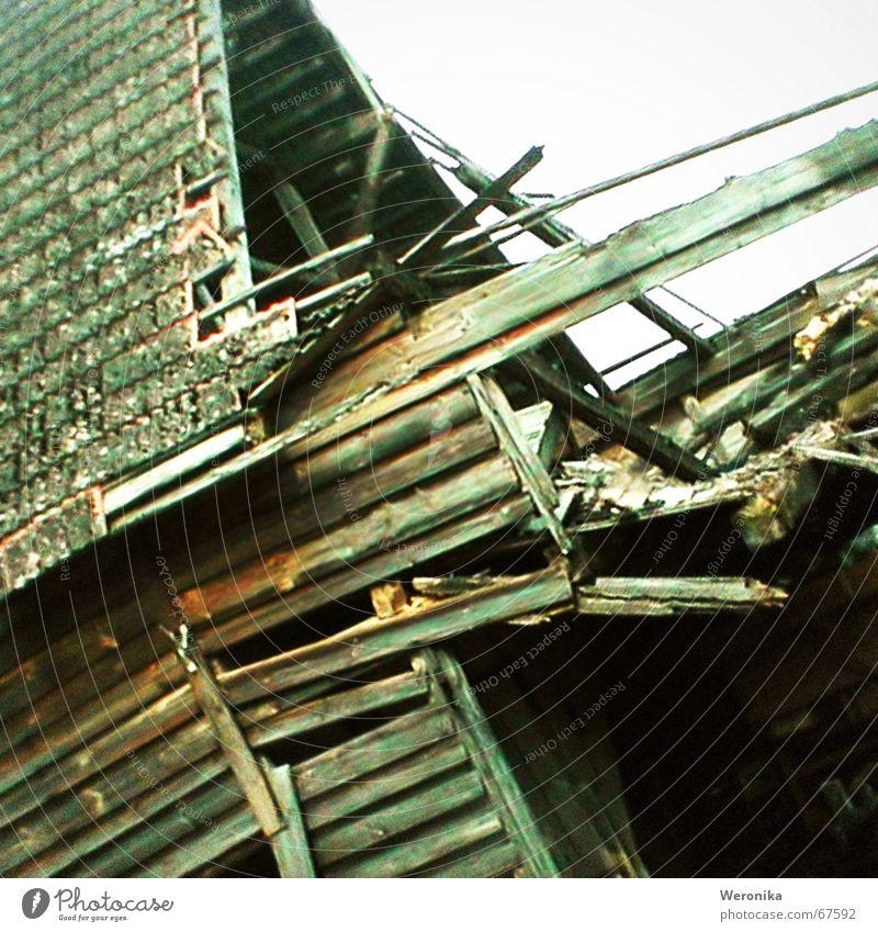 Wood Broken Farm Gale Brick Decline Storm Wooden board Redecorate Poland Decompose Lightning bolt Ravages of time
