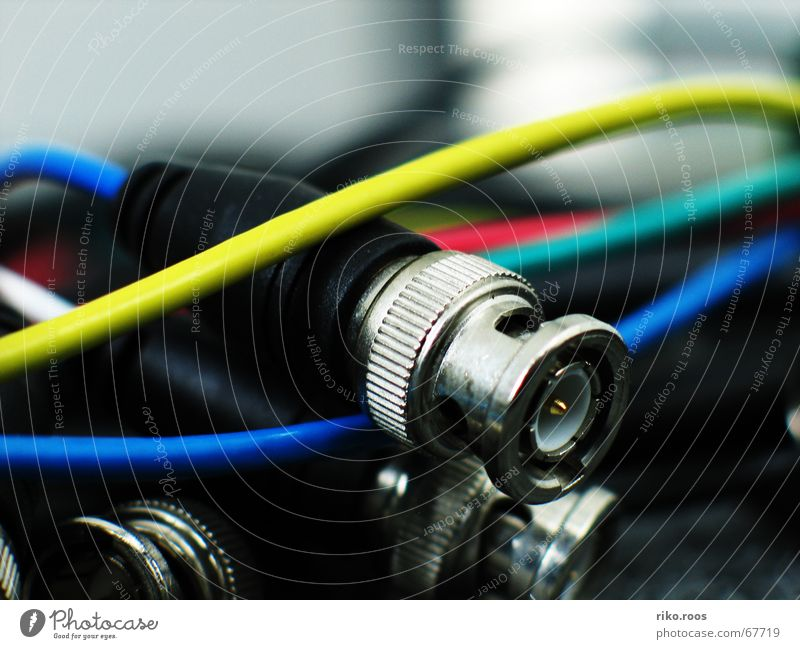 Technology Cable Muddled Video Technical Electronics Electrical equipment Terminal connector Network connector