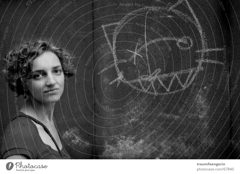 Woman Wall (barrier) Cat Graffiti Concrete Curl Comic Earnest Young woman Face of a woman Scribbles Children's drawing Cat's head 18 - 30 years Dark background