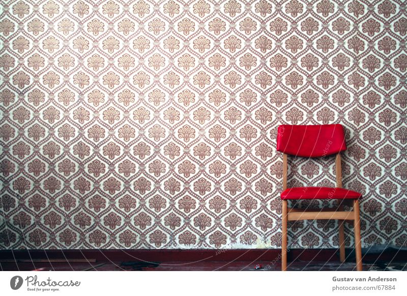 chair Wall (building) Wallpaper Floor covering Places Seventies Brown Red Wood Pattern Retro Loneliness Chair Seating Old Wait
