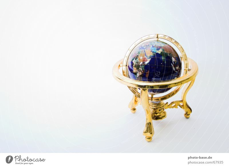 Around the World Compass (Navigation) Three-legged Earth Sphere Gold world Road marking