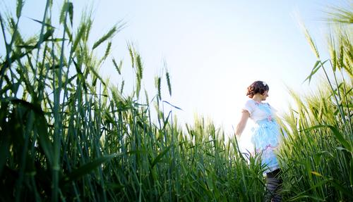 Human being Sky Nature Youth (Young adults) Plant Blue Green Summer Young woman Joy 18 - 30 years Adults Feminine Playing Freedom Field