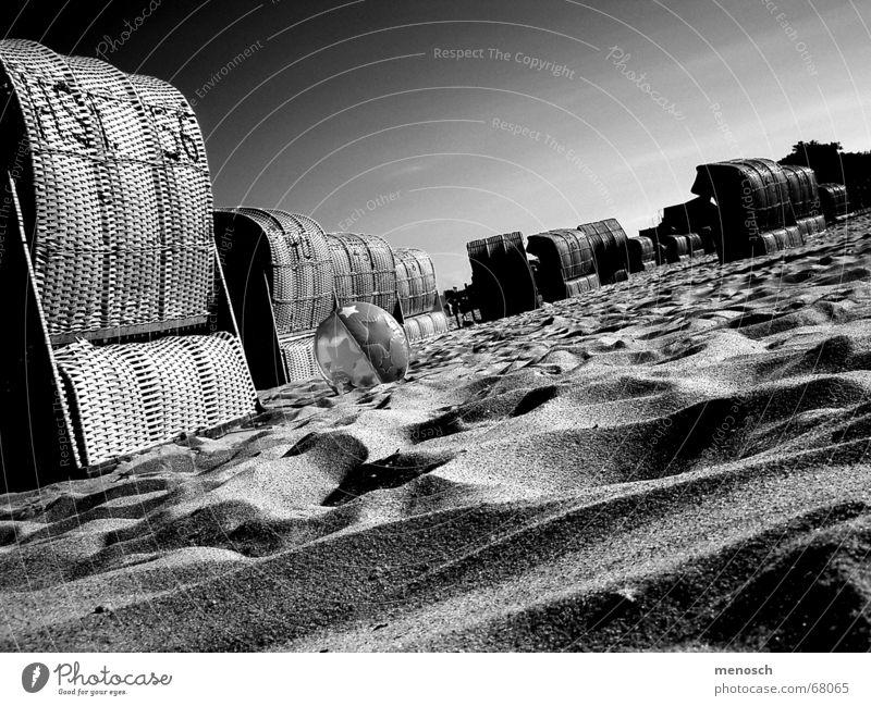 Sky Vacation & Travel Ocean Summer Beach Calm Warmth Sand Ball Hill Physics Hot Baltic Sea Serene Dusk Beach chair