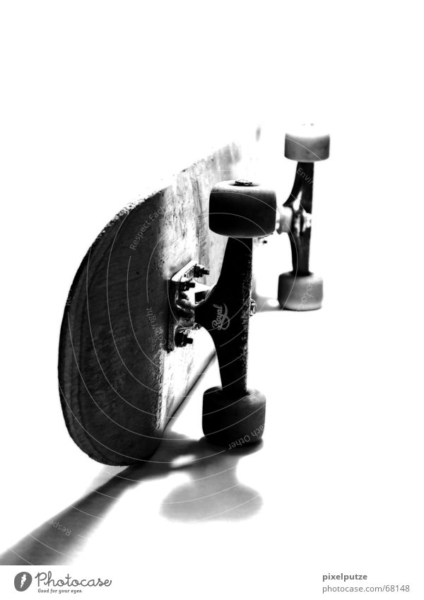 White Black Skateboarding Skateboard Overexposure Gray scale value Axle Royal