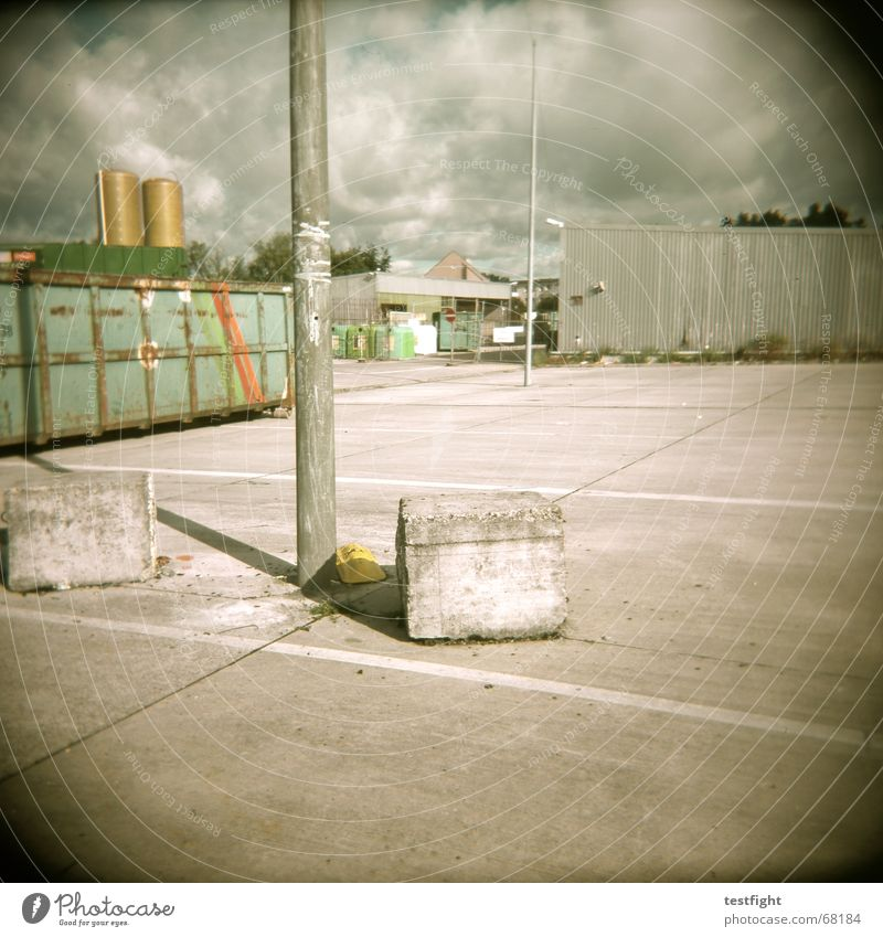 21388 Industrial district Parking lot Trash Scrap metal Concrete Holga Rubish recycling recycling yard Container Stone Gloomy