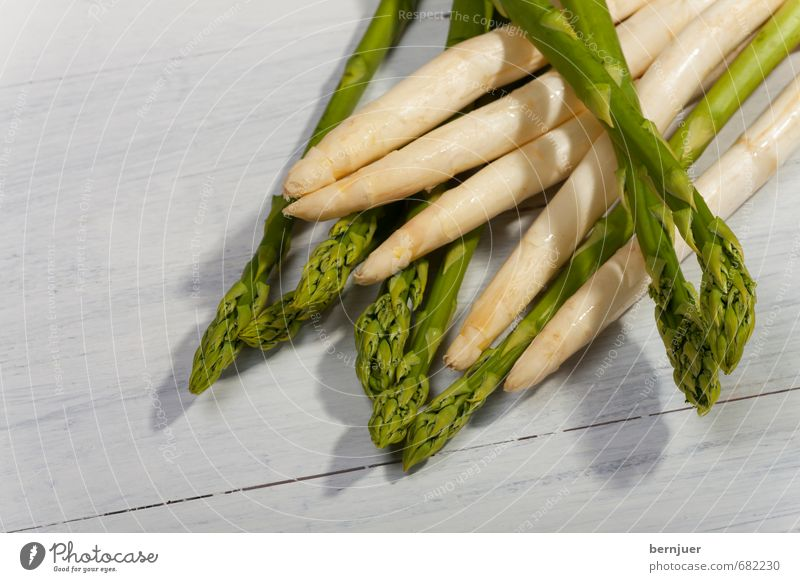 Green White Spring Food Authentic Fresh Good Vegetable Organic produce Wooden board Vegetarian diet Raw Asparagus Vegan diet Asparagus season Asparagus spears