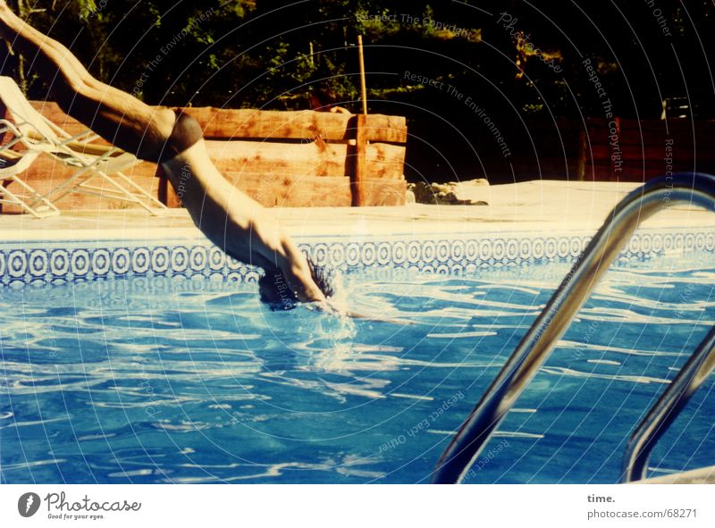Water Blue Vacation & Travel Summer Cold Line Glittering Swimming & Bathing Cool (slang) Swimming pool Physics Diagonal France Refreshment Refrigeration Pool ladder