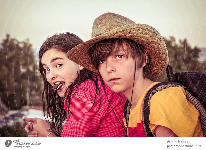 Double portrait with biscuit Candy Lifestyle Relaxation Vacation & Travel Human being Masculine Feminine Youth (Young adults) 2 8 - 13 years Child Infancy