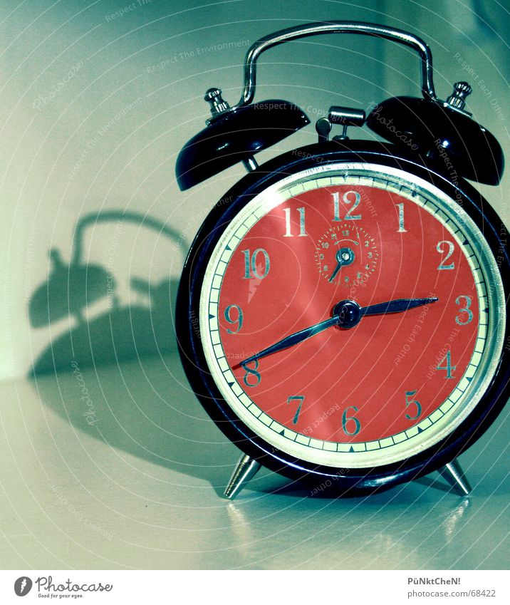 Tick Tack Alarm clock Arise Morning Clock Sleep Loud Style Night Annoy Oversleep Date Old Digits and numbers Clock hand Fatigue Parking rattle Time