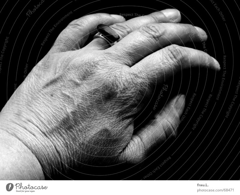 Woman Human being Hand Old Work and employment Skin Time Fingers Circle Sofa Cleaning Wrinkles Dry Silver Vessel Household