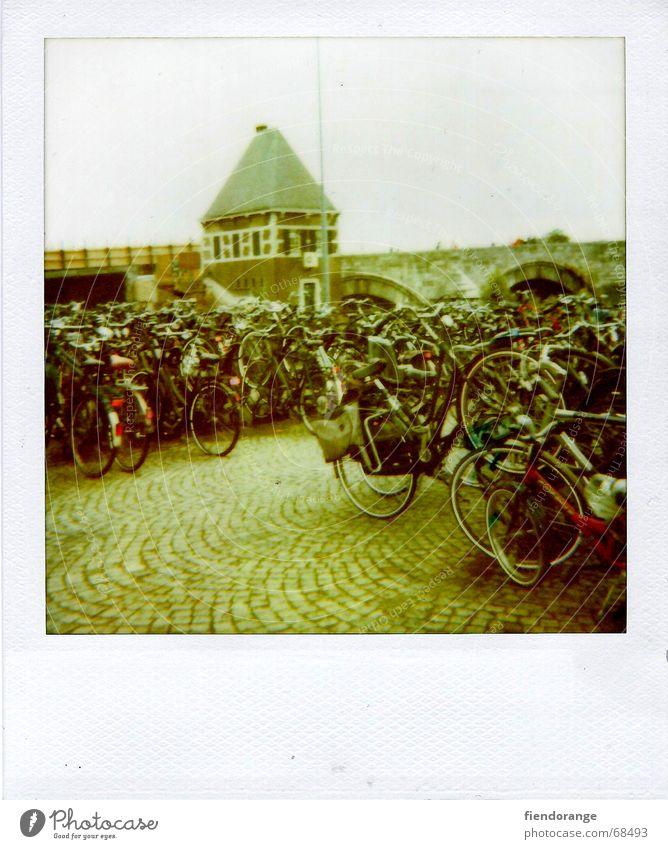 Wheel off Pillar Bicycle Kick about Tread Street Lanes & trails