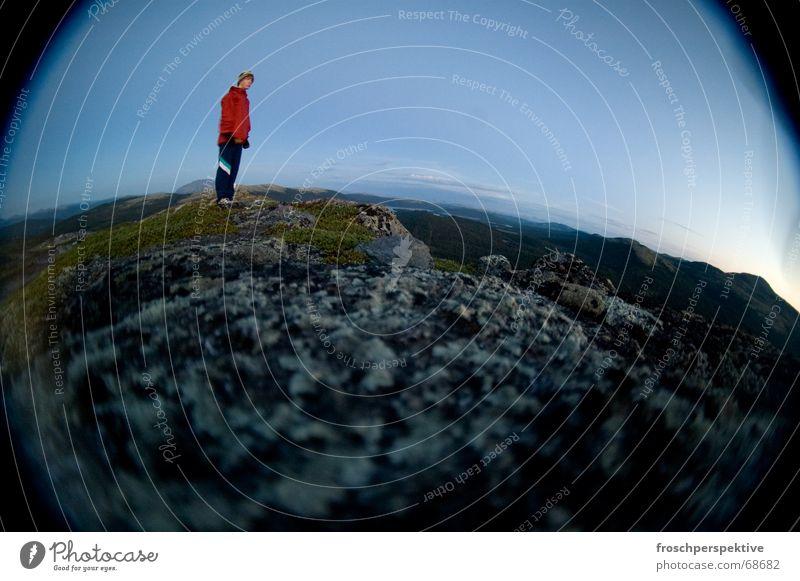 Il était une fois un petit prince qui habitait une planète... Planet Man Fisheye Loneliness Cold Norway Scandinavia Mountaineering little prince earth curvature