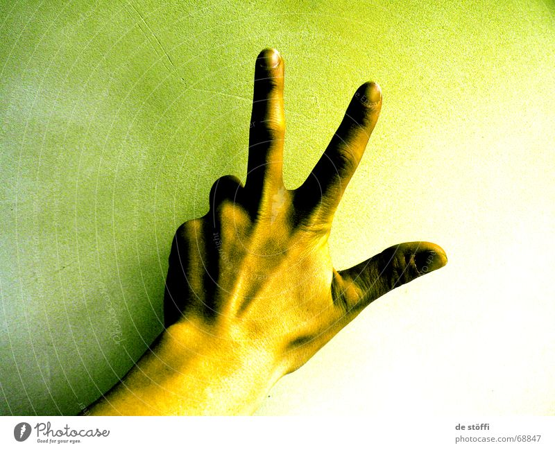 Hand Green 2 3 Fingers 5 Digits and numbers Fingernail Progress Yellowness Irradiated Radioactivity