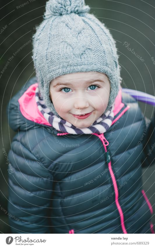 Human being Child Beautiful Girl Winter Cold Eyes Happy Infancy Happiness Jacket Cap Toddler Kindergarten Enthusiasm Anticipation