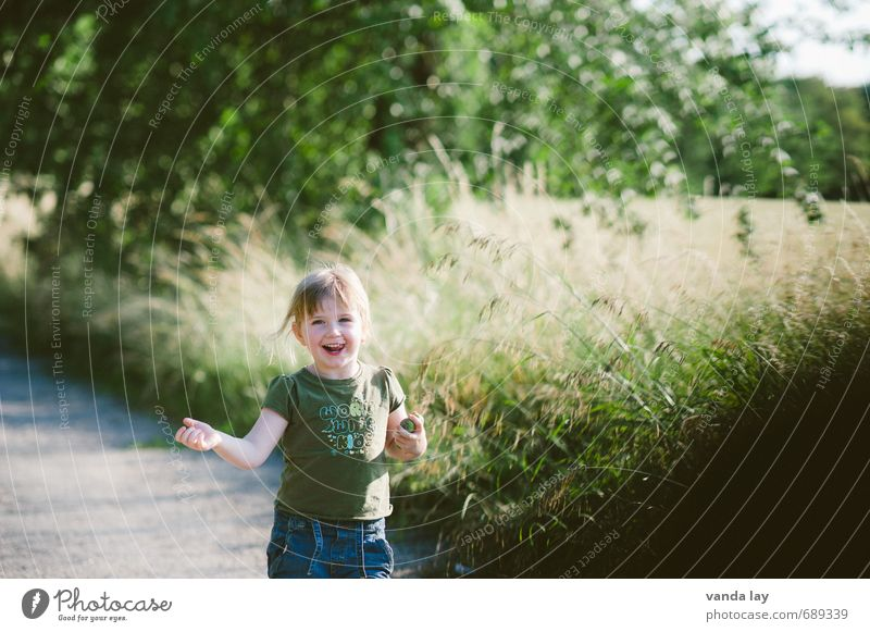 frolicsomely Leisure and hobbies Playing Vacation & Travel Trip Adventure Summer Toddler Girl 1 Human being 1 - 3 years Nature Laughter Joy Happiness June July