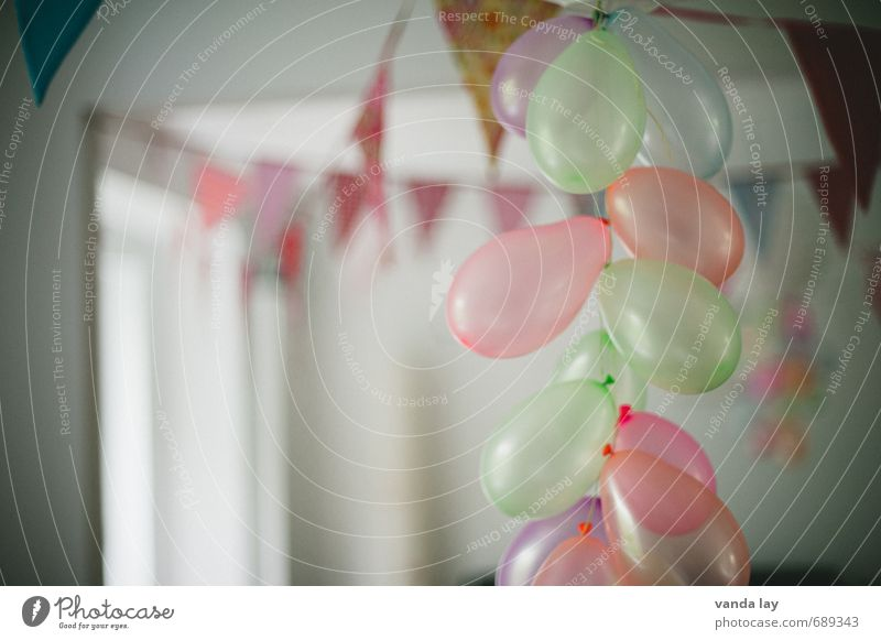 Playing Feasts & Celebrations Party Leisure and hobbies Flat (apartment) Lifestyle Living or residing Decoration Infancy Birthday Balloon Flag Event Carnival