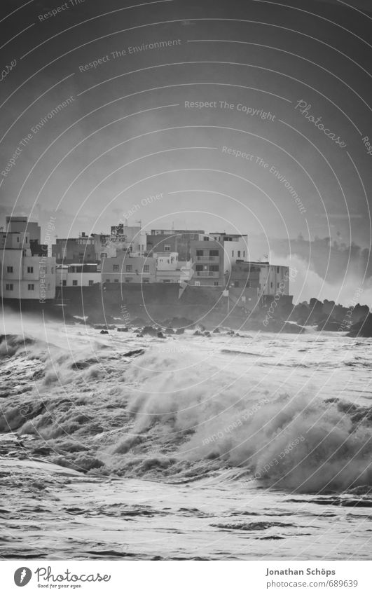 Nature City Water Ocean House (Residential Structure) Beach Dark Environment Coast Waves Esthetic Island Threat Skyline Gale Surf