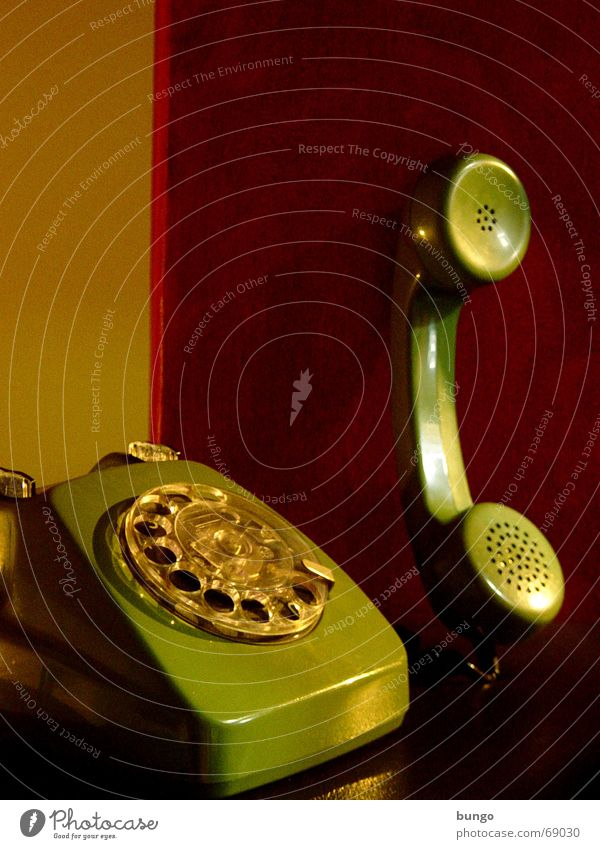 nulla adiuncta Telephone Nostalgia Rotary dial Outer ear Listening To talk Analog Green Red To call someone (telephone) Wallpaper Calm Style Converse Past