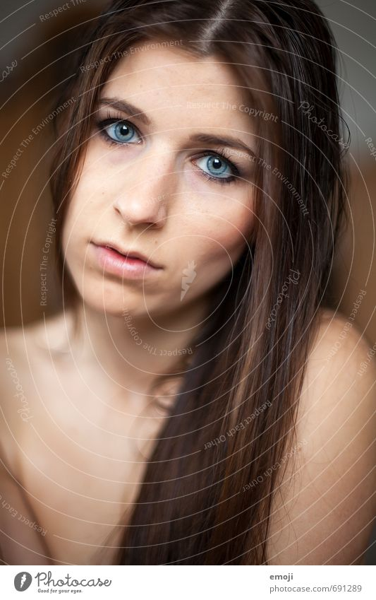 raw VI Feminine Young woman Youth (Young adults) Face 1 Human being 18 - 30 years Adults Brunette Long-haired Beautiful Naked Sadness Longing Colour photo