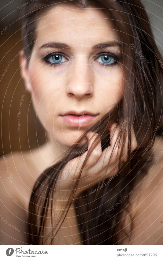 raw III Feminine Young woman Youth (Young adults) Face 1 Human being 18 - 30 years Adults Brunette Long-haired Beautiful Colour photo Interior shot Day