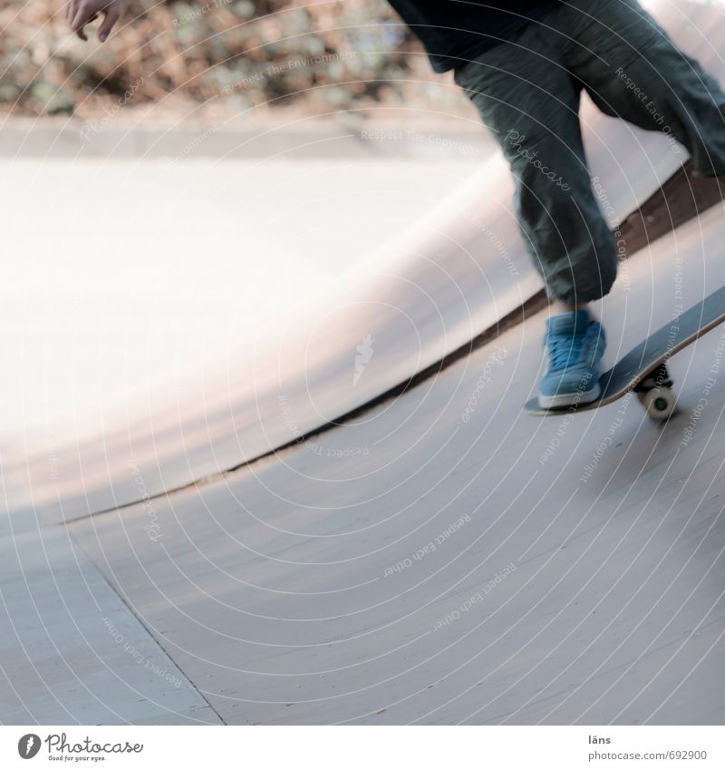 on deck Leisure and hobbies Skateboard Halfpipe Masculine Boy (child) Legs Feet 1 Human being Stand Cool (slang) Athletic Joie de vivre (Vitality) Optimism