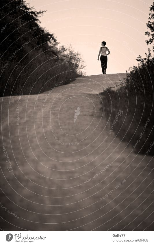Human being Sky White Black Loneliness Far-off places Lanes & trails Search Horizon To go for a walk Goodbye