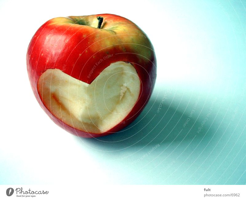 Red Love Nutrition Healthy Fruit Heart Exceptional Individual Healthy Eating Creativity Apple Vitamin Vegetarian diet Object photography Verdant Sincere