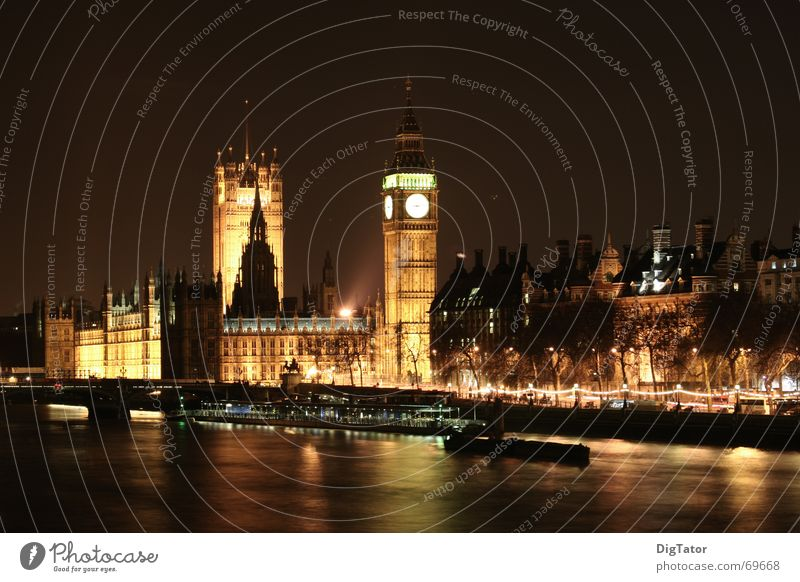 City Dark Skyline London Night shot Tripod Houses of Parliament Themse