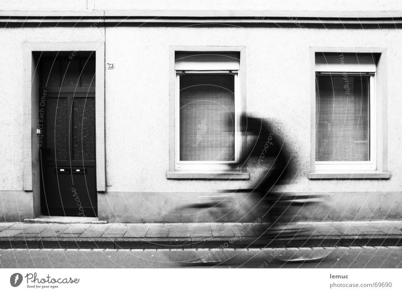 shadow rider Driving Cycling Window 23 Sidewalk Vacation & Travel Leisure and hobbies leeze fietse Door Black & white photo Shadow Movement Bicycle