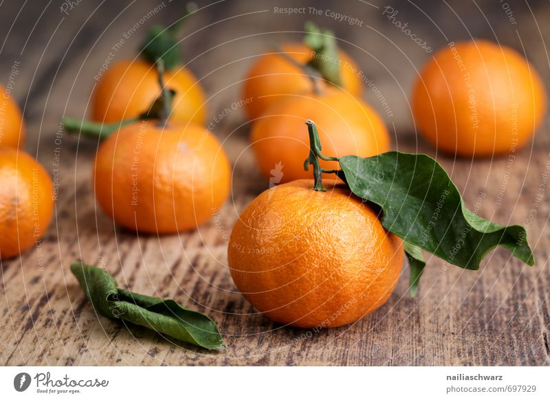 Fresh mandarins Food Fruit Orange Tangerine Organic produce Vegetarian diet Diet Leaf Fragrance Eating To enjoy Juicy Many Green Red Debauchery Power clemetine