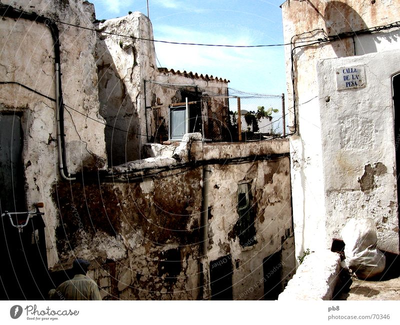 City House (Residential Structure) Wall (barrier) Building Decline Old town Ibiza