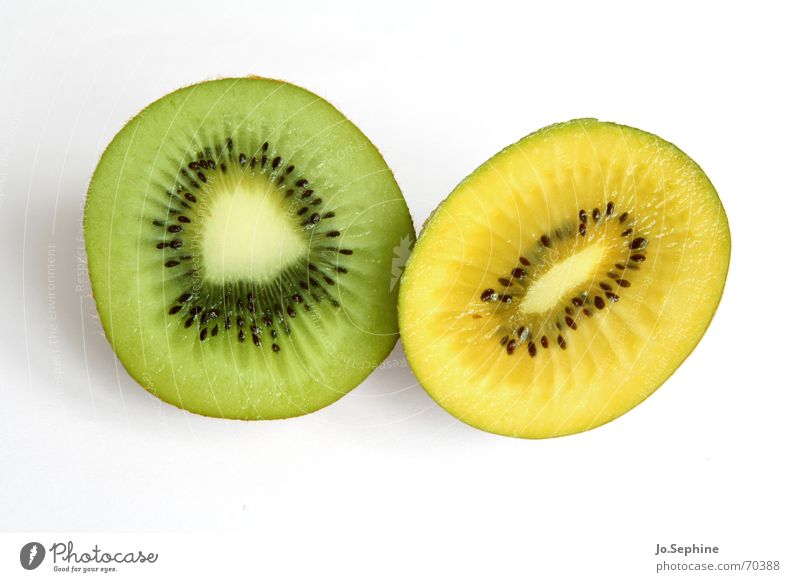 Kiwi green yellow Food fruit Nutrition Diet Healthy Wellness Summer Fresh Kiwifruit Fruit flesh Division Refreshment Yellow Kernels & Pits & Stones Round Part
