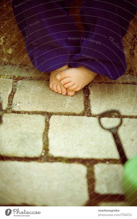 children feet kita to play kindergarten Parenting Education Kindergarten Child Study Human being Masculine Toddler Boy (child) Infancy Skin Feet Toes Toenail
