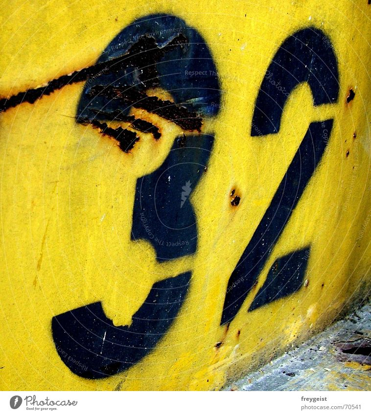 ~32~ Digits and numbers Yellow Black Scratch mark Trash Work and employment Rebuild Blue Colour Contrast Rust Container Trashy garbage Construction site