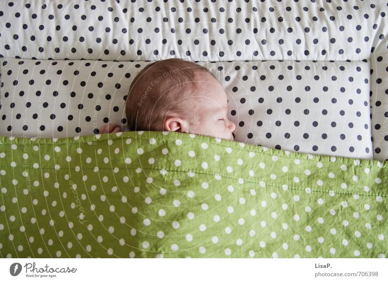 ... Child Baby Life Head Hair and hairstyles Face Ear Nose 1 Human being 0 - 12 months Lie Sleep Fresh Healthy Happy Cute Green White Protection
