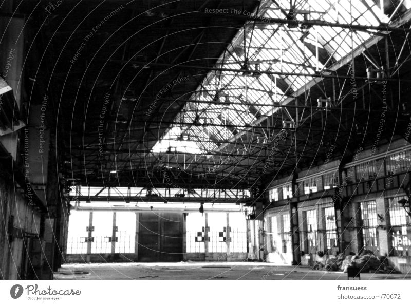 plaguish Factory Leipzig Plagwitz Ruin Loneliness Work and employment Old Black & white photo Industrial Photography Shabby Dirty